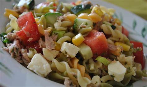 salade de p 226 tes aux tomates cerises basilic et parmesan