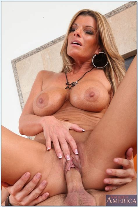 sexy old whore kristal summers pussy plowed milf fox