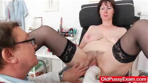 big butt mature in stockings has her doctor exam mature porn