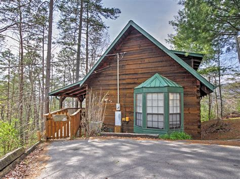 cabins in sevierville tn mountain log cabin buy 5 nights or vrbo
