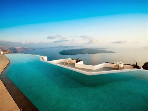 Infinity Pool : Most Stunning Infinity Edge Pools In The World