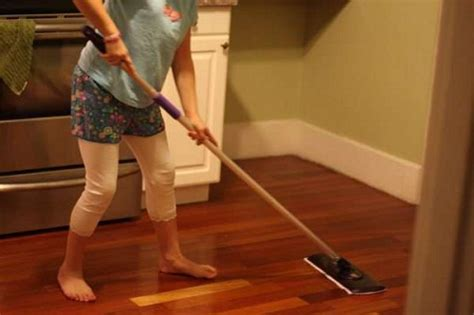 how to clean laminate flooring properly how to clean laminate floors home design tips and guides