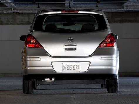 Nissan Versa Hatchback (2007) - picture 10 of 19