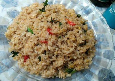 Biasanya kuliner satu ini disajikan dengan daging kambing goreng dan terkadang ditaburi dengan irisan kurma ataupun. 26+ Resep Nasi Goreng Putih Ncc, Kuliner Yang Mantap!