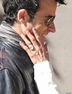 jennifer aniston debuts engagement ring hollywood With jennifer aniston wedding ring