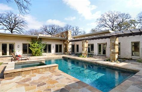 images   shape house  pinterest house plans home  outdoor living rooms