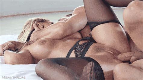 Fucking Pussy Of A Sexy Milf Hot Girlfriend