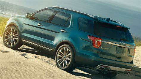 ford explorer review specs facelift competition