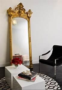 le miroir baroque est un joli accent deco With couleur papier peint tendance 19 les stickers miroir une idee creative pour la decoration