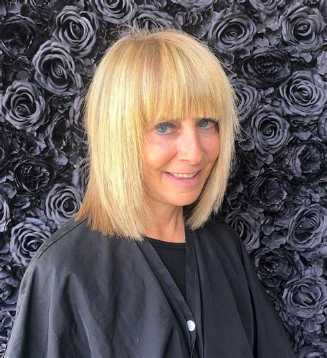 Many of us turn to shorter hair as we get older. What are the best bob haircuts for older women? - Hair Adviser