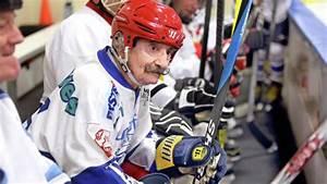 Duluth's Mark Sertich - the world's oldest hockey player ...
