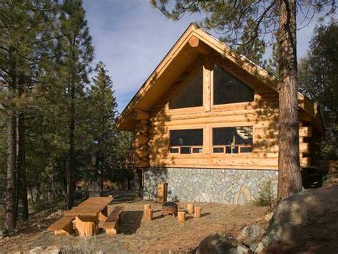 small log cabin log home living s 10 favorite small log cabins