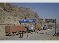 Pakistan, Afghanistan deploy tanks, troops at border