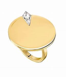 Bracelet Tendance Du Moment : tendance bagues de fian ailles les 7 diamants les plus cool du moment vogue ~ Dode.kayakingforconservation.com Idées de Décoration