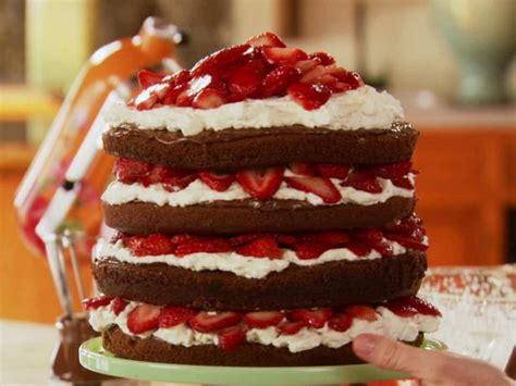 strawberry chocolate layer cake recipe ree drummond