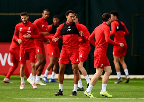 Liverpool team news: Predicted line-up in 4-3-3 formation ...