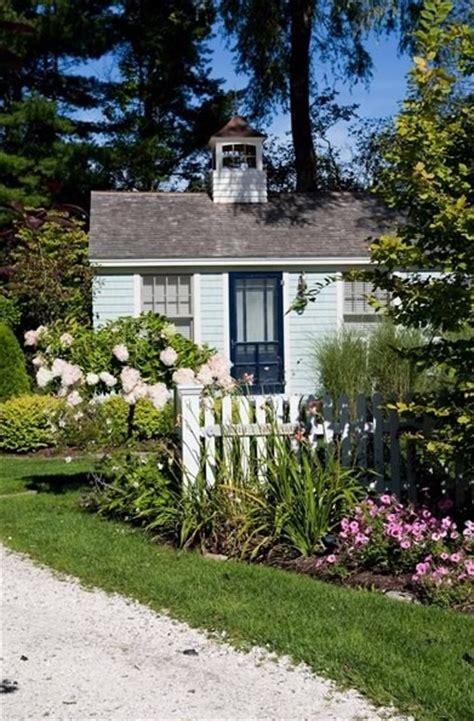 sq ft coastal cottage  maine