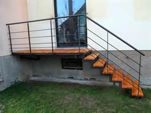 escalier bois jardin exterieur escalier ext 233 rieur en m 233 tal et bois pour acc 232 s jardin metal concept escalier ferronnerie d