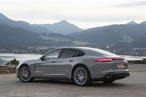 Porsche Panamera Backgrounds porsche panamera hd background