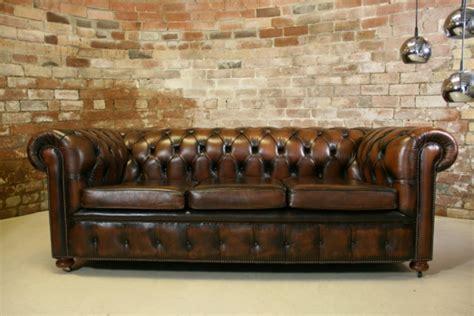 canap style chesterfield le canapé cuir vintage le chic et le fabuleux confort
