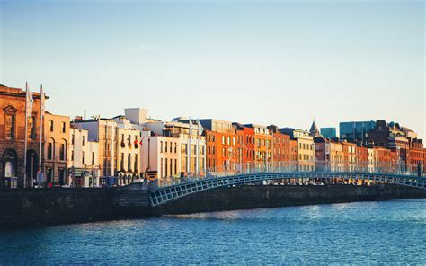 Travel Guide: Dublin Vacation + Trip Ideas