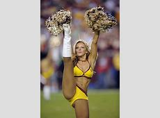 Top 10 Hottest NFL Cheerleader Squads