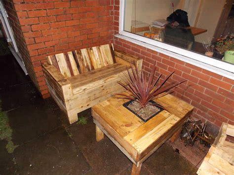 canape palette recup 52 idées pour fabriquer votre meuble de jardin en palette