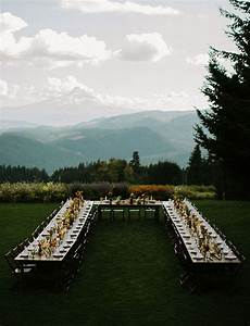 Round Reception Table Wedding Reception Seating How To Seat Guests For A