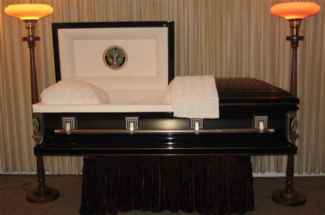 25+ Funeral Home Urns Pics - FreePix
