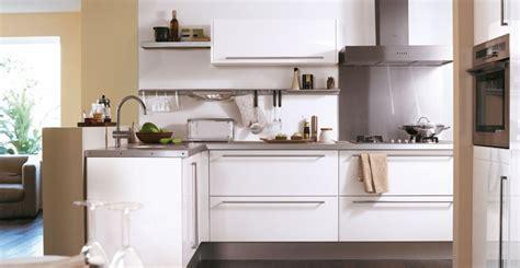 modele de cuisine hygena cuisine city blanche brillant idée de décoration hygena