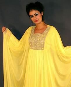 robe dubai jaune en velours de soie pas cher With robe dubai jaune