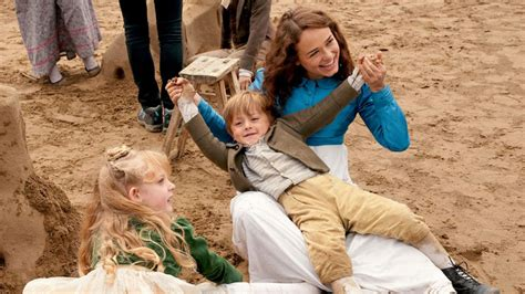 14 adorable behind-the-scenes photos of the 'Sanditon ...