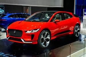 Jaguar I Pace : jaguar i pace teaser spy shots and concept car pictures auto express ~ Medecine-chirurgie-esthetiques.com Avis de Voitures