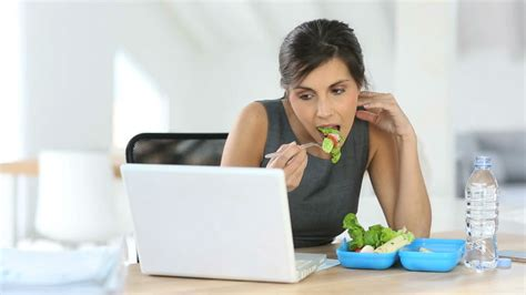 cooking at your desk 7 brilliant ways to eat better food and stay healthy at