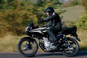 Honda 125 Cbf 2017 : listino honda cbf 125 moto 50 e 125 moto motori net ~ Medecine-chirurgie-esthetiques.com Avis de Voitures