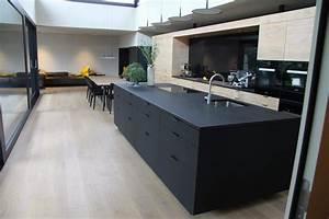 Küchen Ideen Bilder : ideen f r deine neue schwarze kochinsel bilder von edlen dunklen k cheninseln dunkle k chen ~ Indierocktalk.com Haus und Dekorationen