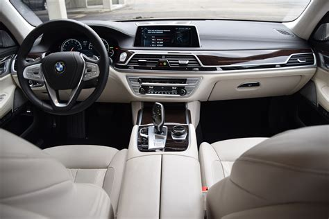 Bmw Series 7 Interior by Bmw 7 Series Judging For 2016 Wards 10 Best Interiors