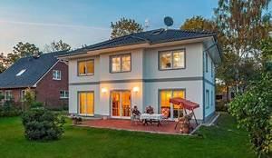 Stadtvilla Mit Garage : stadtvilla lugana mediterrane moderne stadtvilla bauen ~ Lizthompson.info Haus und Dekorationen