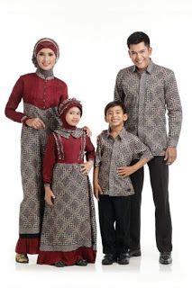 foto baju batik couple ayah ibu  anak semi formal