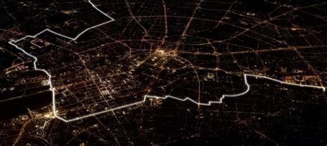 show berlin wall recreated in light