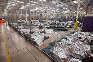 Photos: Inside a detention center for migrant children ...