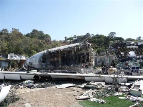 universal studios plane crash  war   worlds