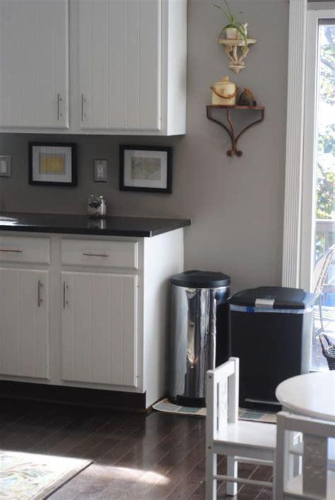 kitchen colors     paint  walls gray