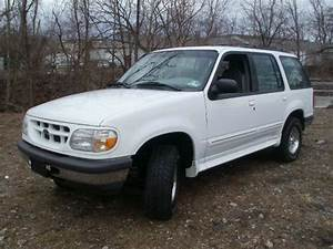 Purchase Used 1998 Ford Explorer Xl Sport Rare 4 0 6 Cyl 5