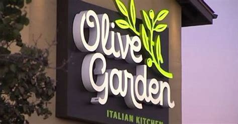 Olive Garden Independence Missouri by Olive Garden Apologizes To Officer After Hostess