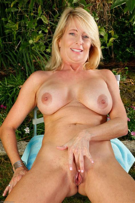 nude woman over 50 hot girl hd wallpaper