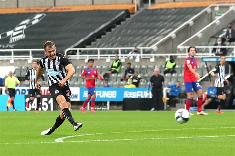 Newcastle fans react as Ryan Fraser scores against ...