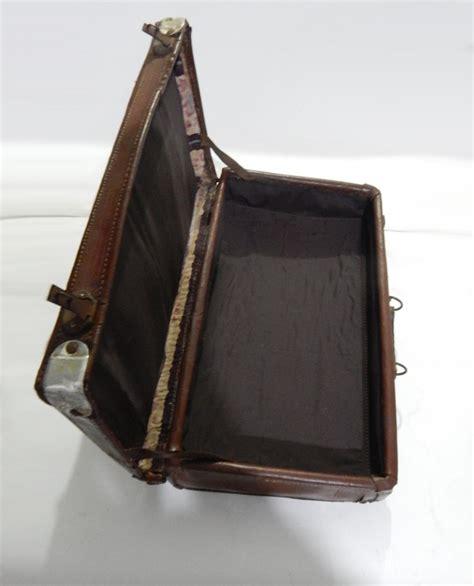 barang antik lukito koper kulit tempoe doeloe
