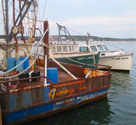 Cape Cod Boats by Working Boats Wellfleet S Fleet Slideshow Cape Cod Wave