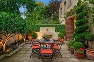 Mediterranean Courtyard Gardens Designs